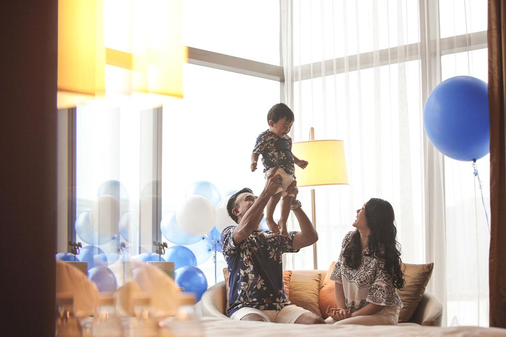 family portrait photography by kurt ahs . marzukhi + poh lin + marshall one . 5237.jpg