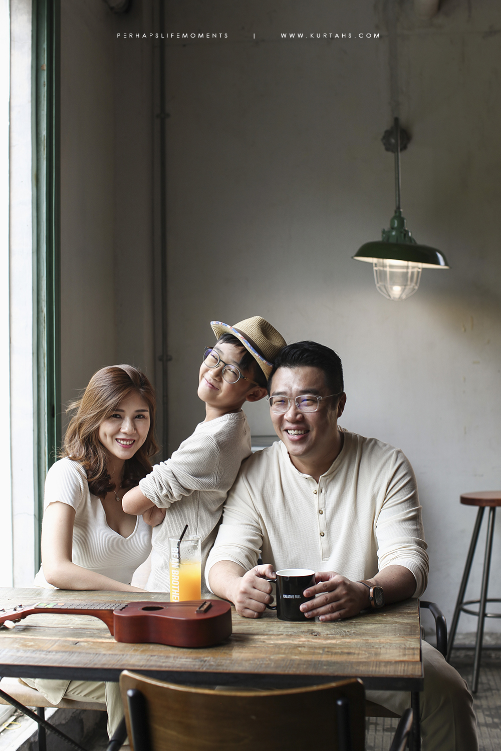 contemporary family portrait photography by kurt ahs . alwin anne lucas choo . 9132.jpg