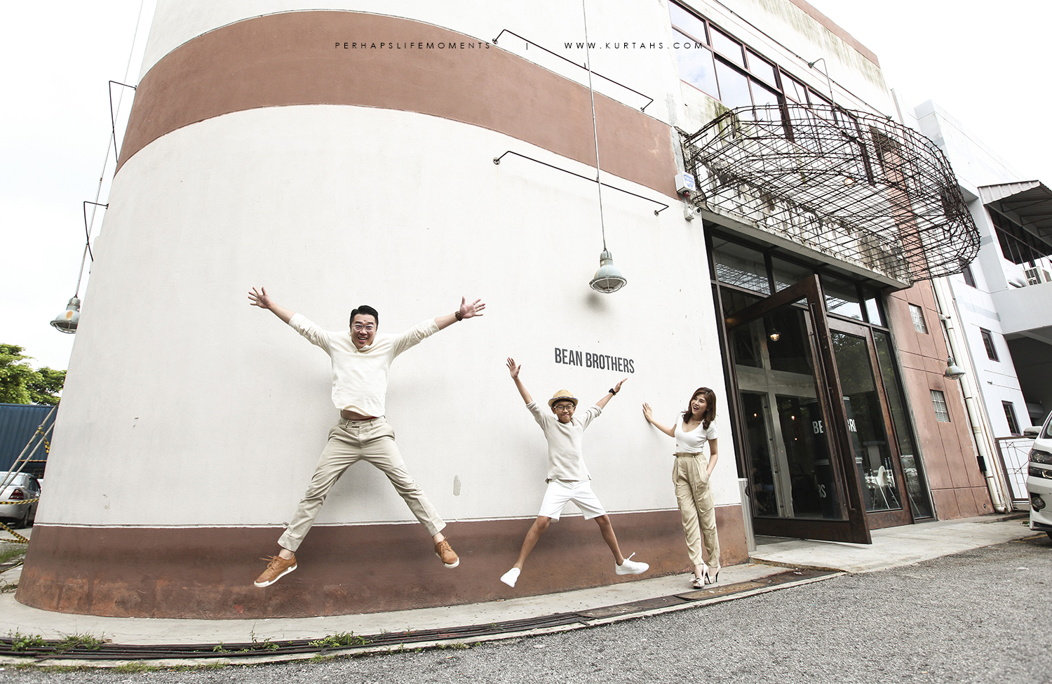 contemporary family portrait photography by kurt ahs . alwin anne lucas choo . 9145.jpg