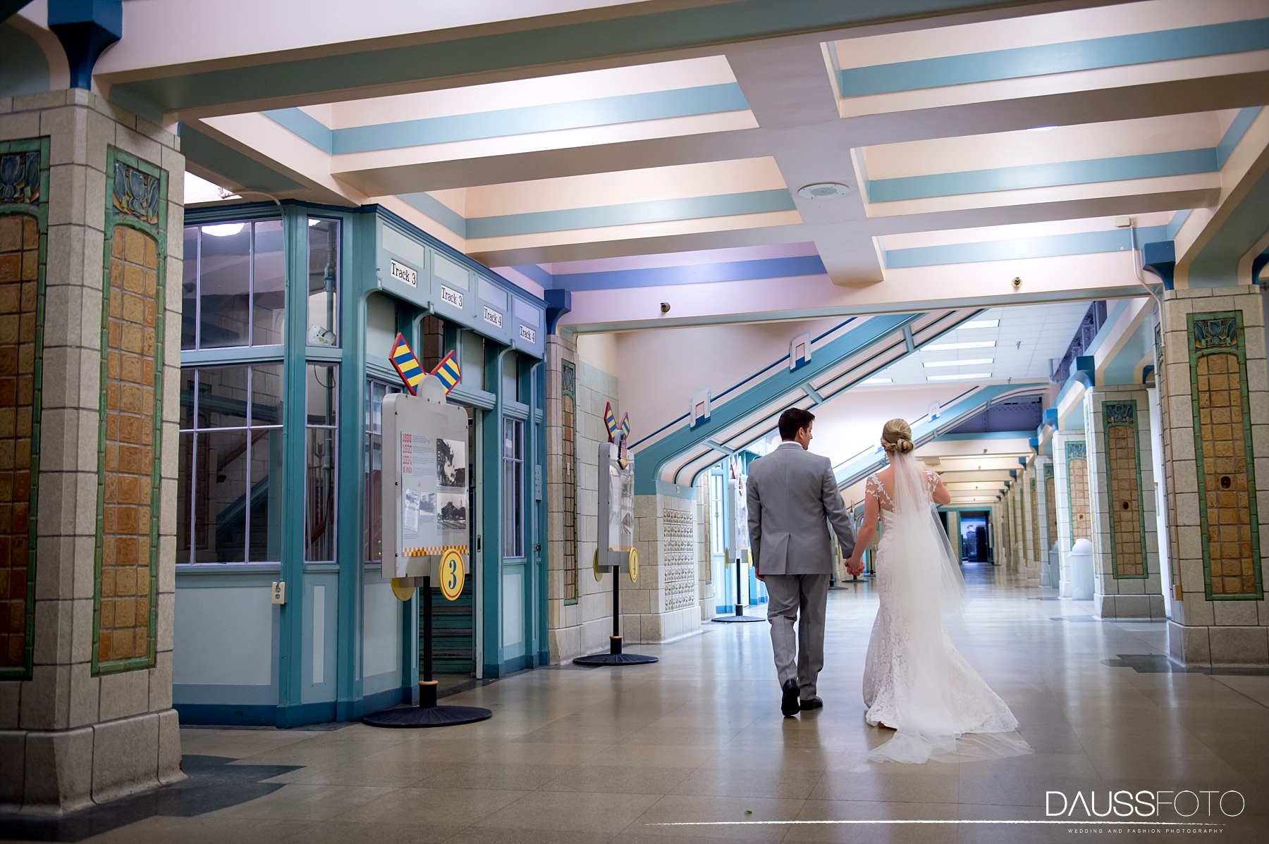DaussFOTO_20160625_0107_Indiana Wedding Photographer_Crowne Plaza at Historic Union Station.jpg