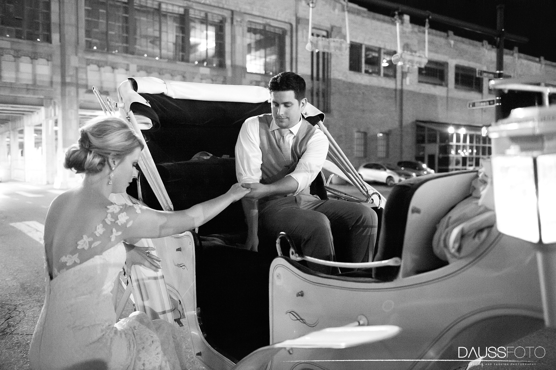 DaussFOTO_20160625_0690_Indiana Wedding Photographer_Crowne Plaza at Historic Union Station.jpg