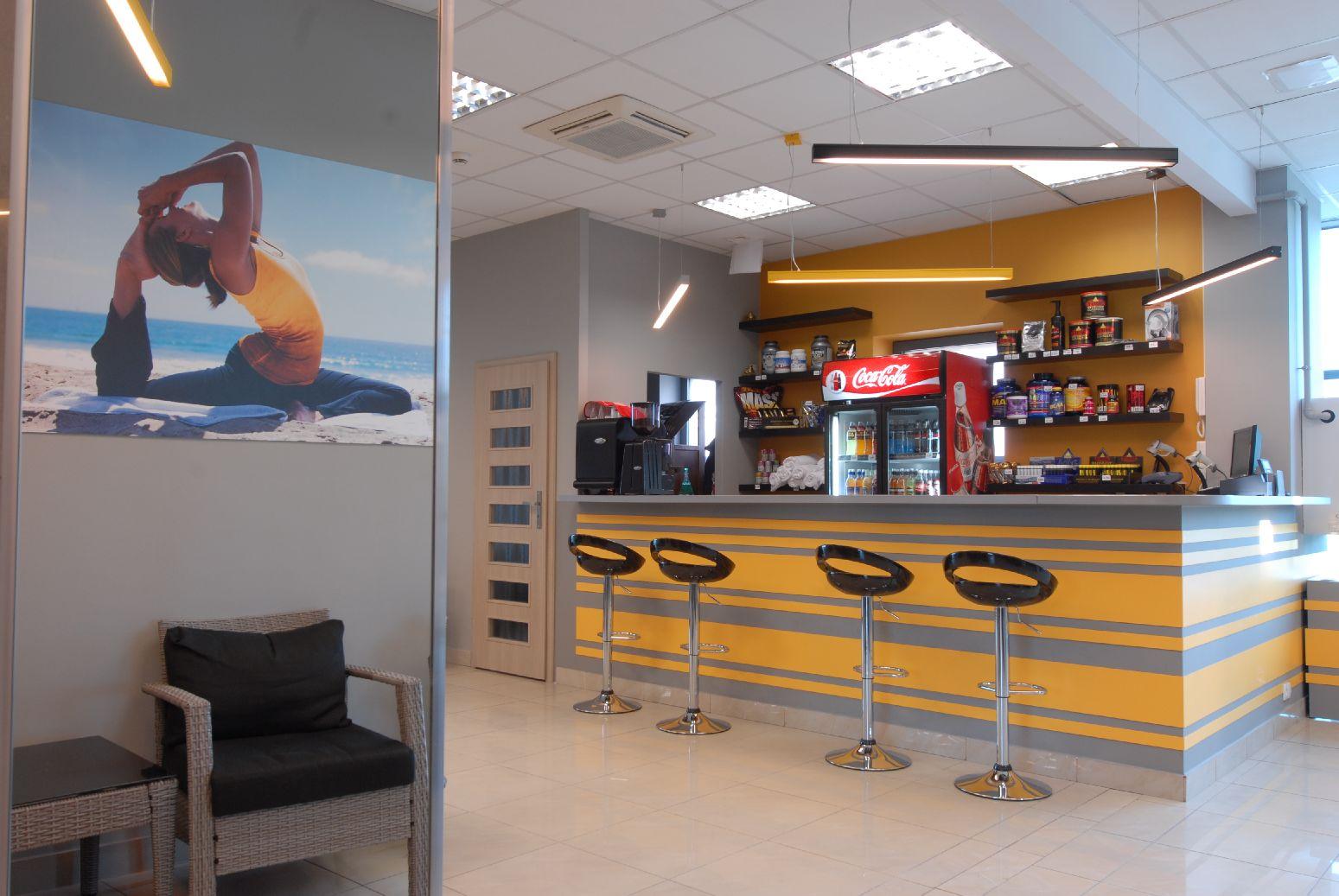 drink_bar_w_fitness_studio.JPG