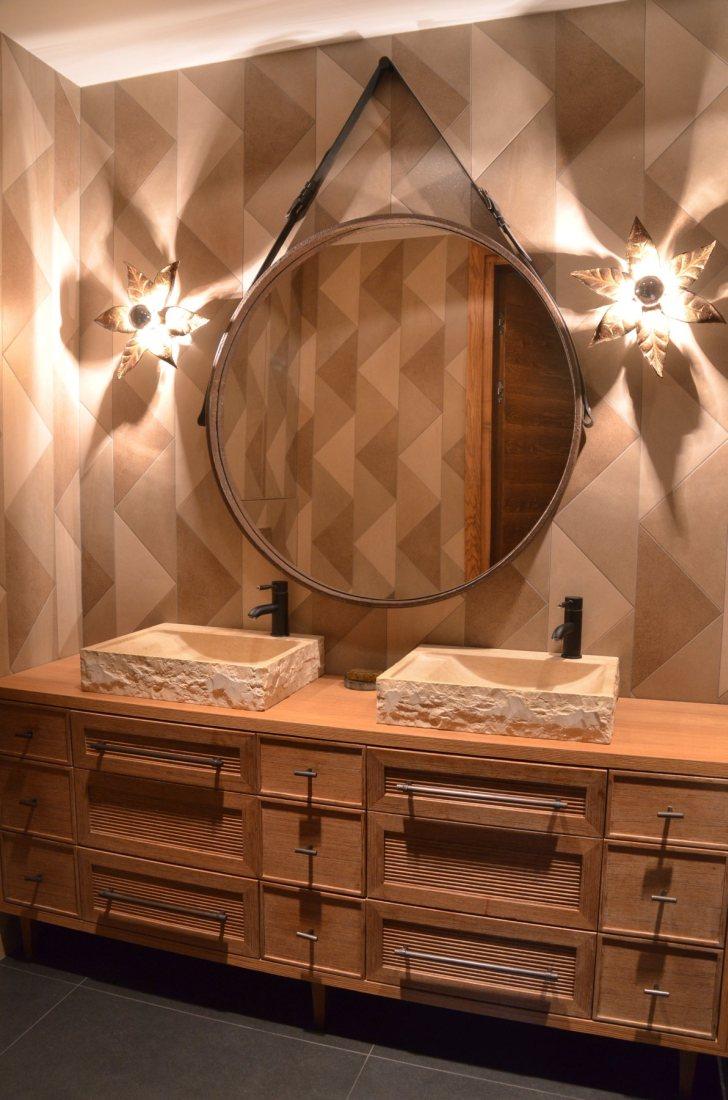 Łazienka z trójkątnych płytek