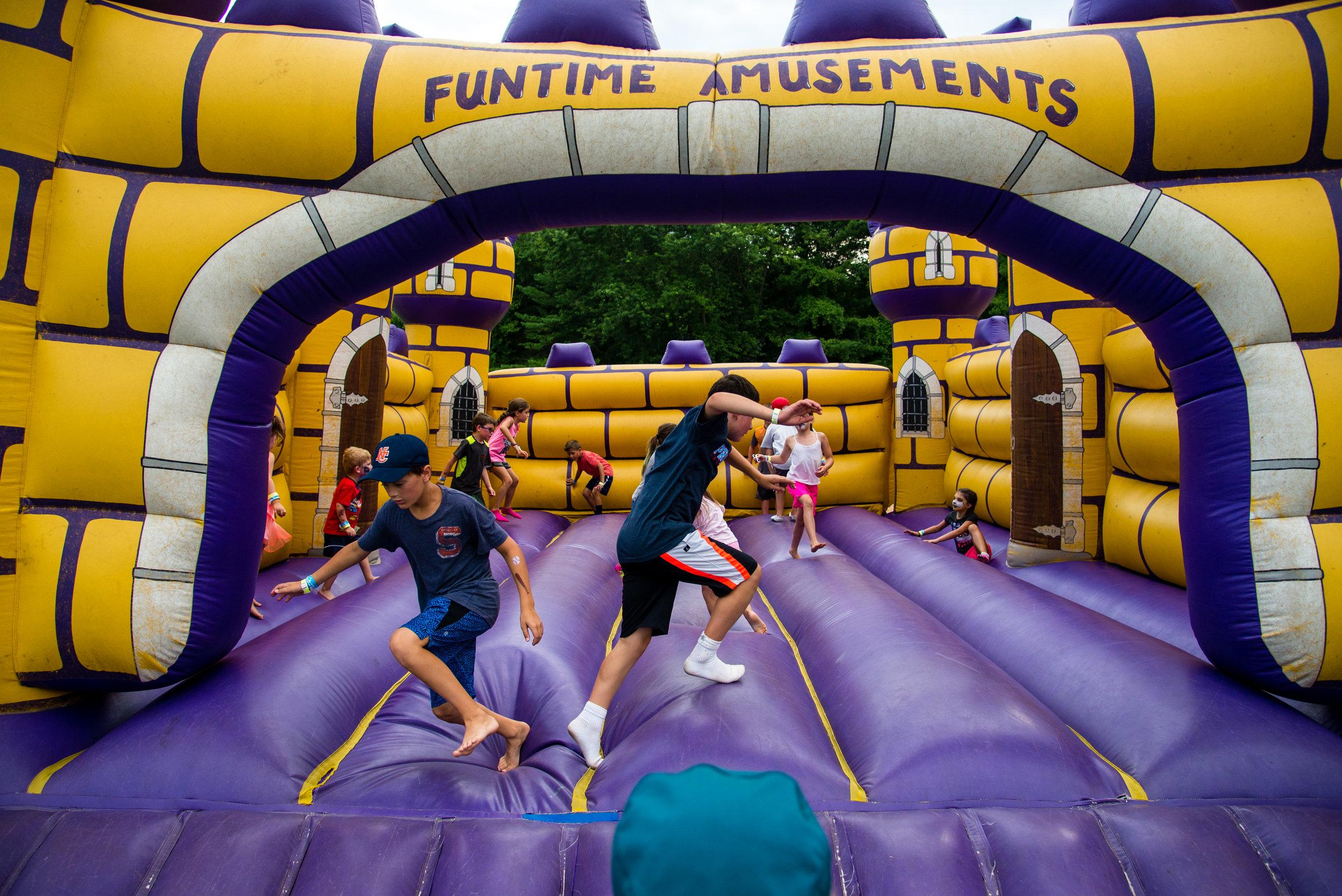 Bounce yer sillies out in the kids' fun zone © 2018 Vladimir Kolesnikov
