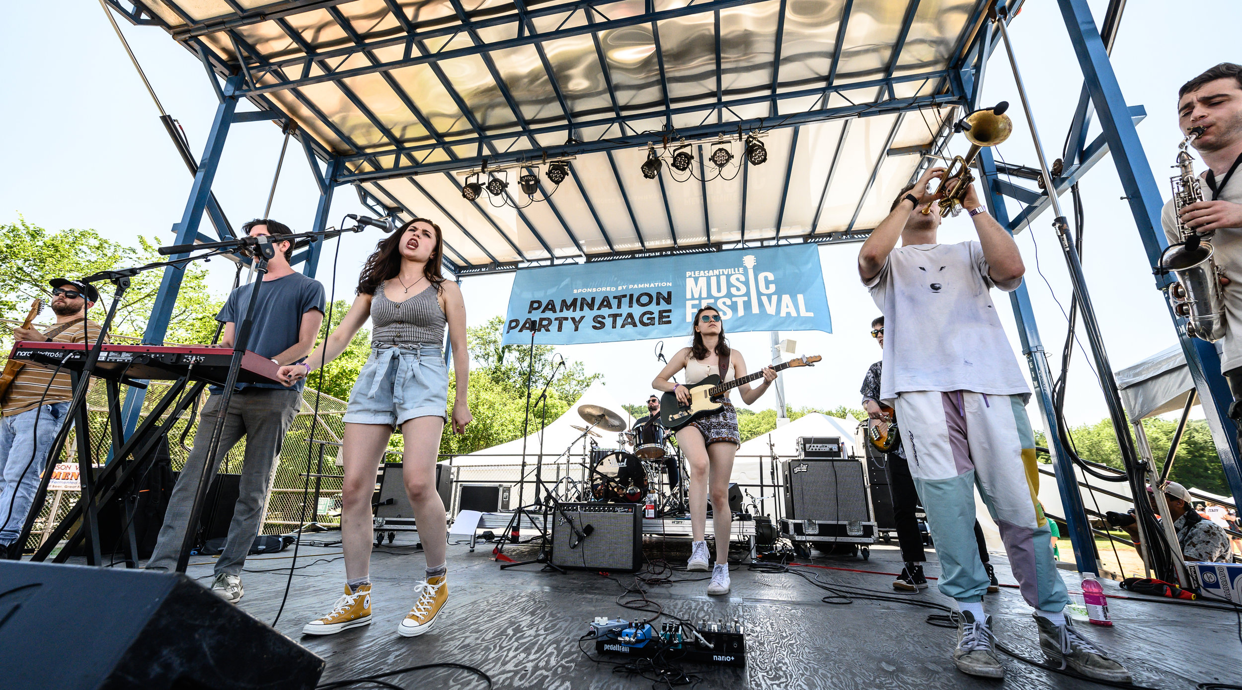 Melt heating up the Party Stage © 2019 Lynda Shenkman