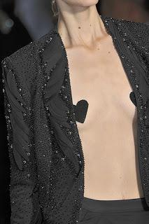 Emanuel-Ungaro-Details-spring-fashion-2010-032_runway.jpg