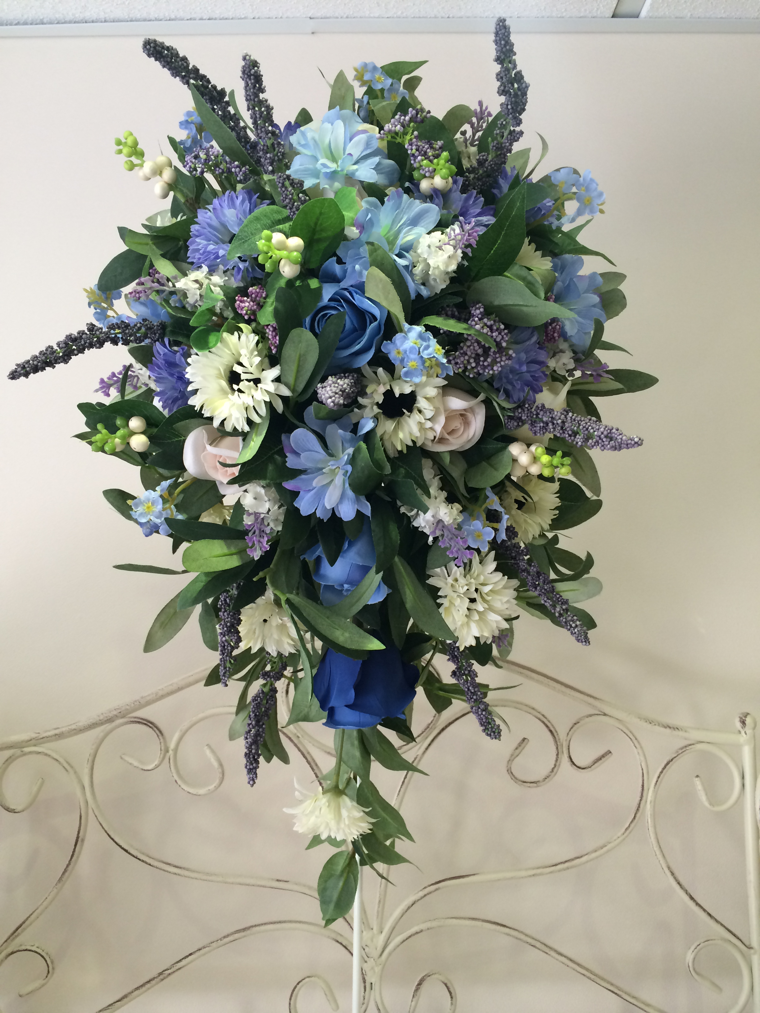 Long Teardrop Bouquet With Daisies, Lavender, Light & Dark Blue Roses