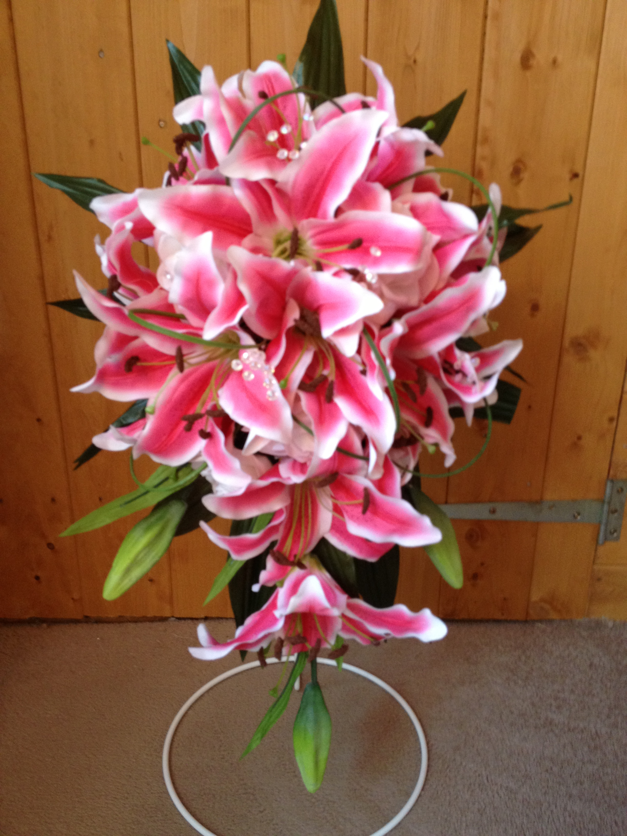Long Teardrop Bouquet With Hot Pink Star Gazer Lilies