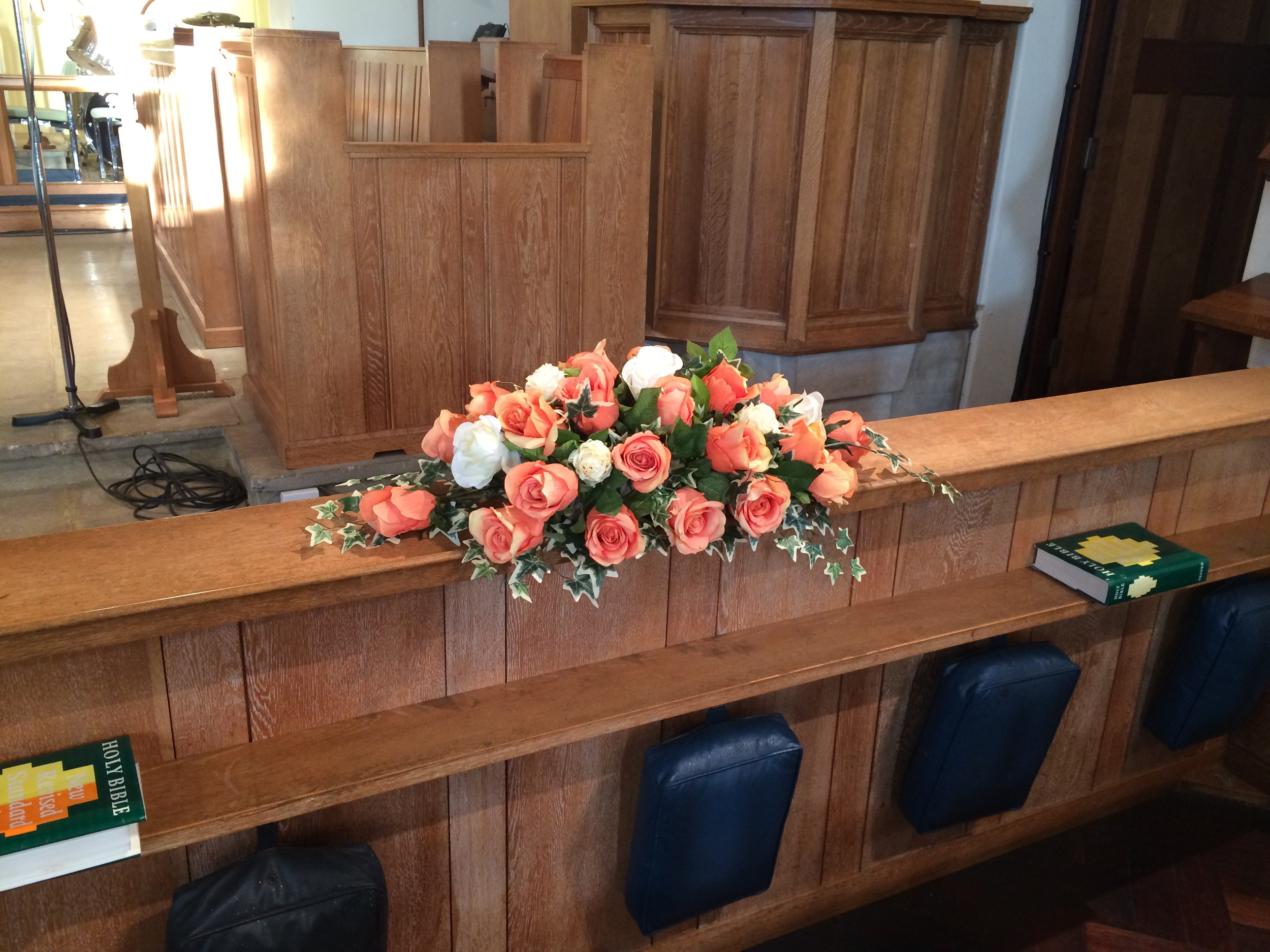 Front Pew Flowers - Peach & Ivory Roses With Ivy