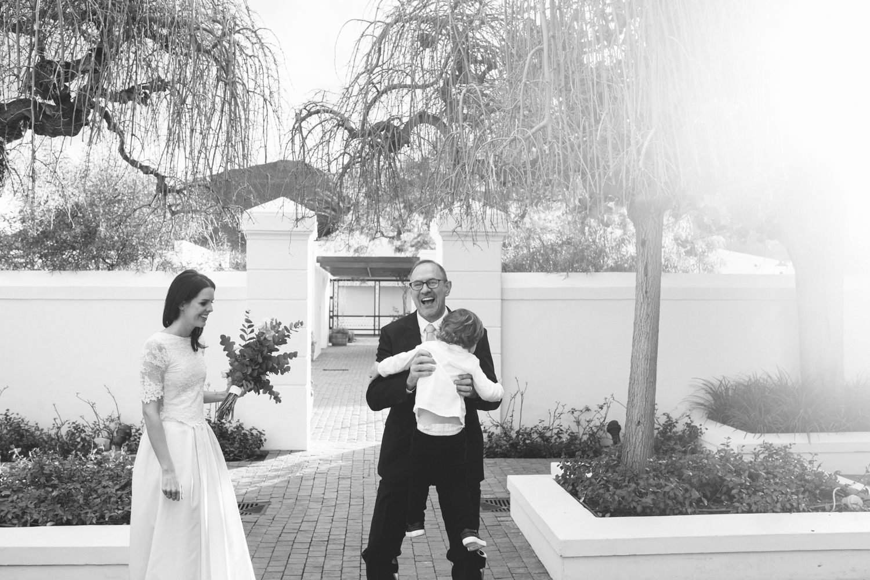heisvisual-wedding-photographers-documentary-dorstdy-hotel-graaff-reinet-south-africa061.jpg