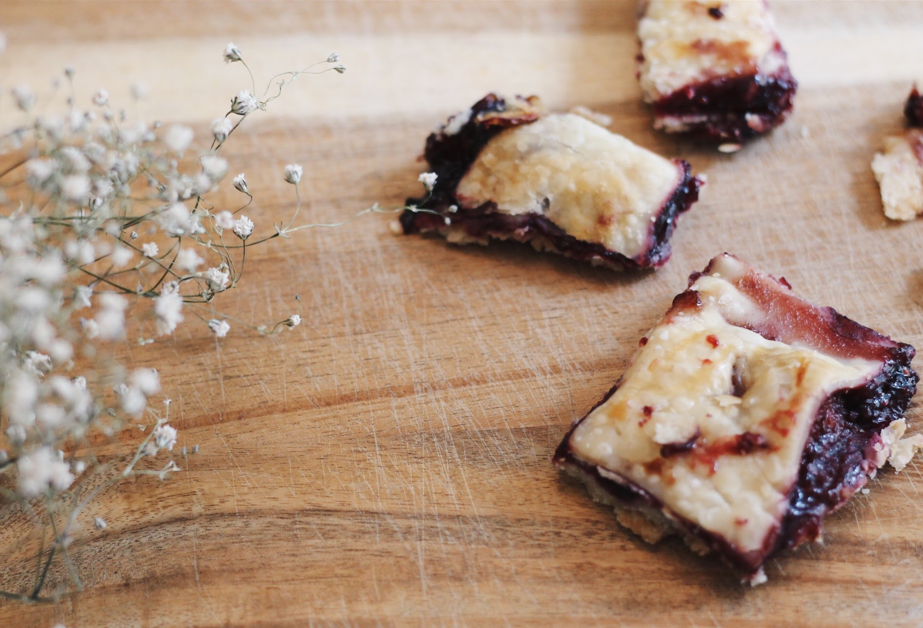 mixed berry pie bites recipe