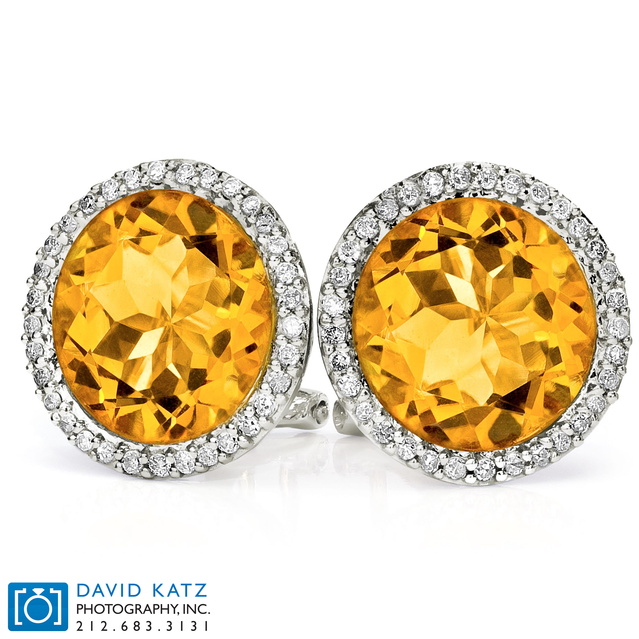 colored diamond earrings studs_NEWLOGO.jpg