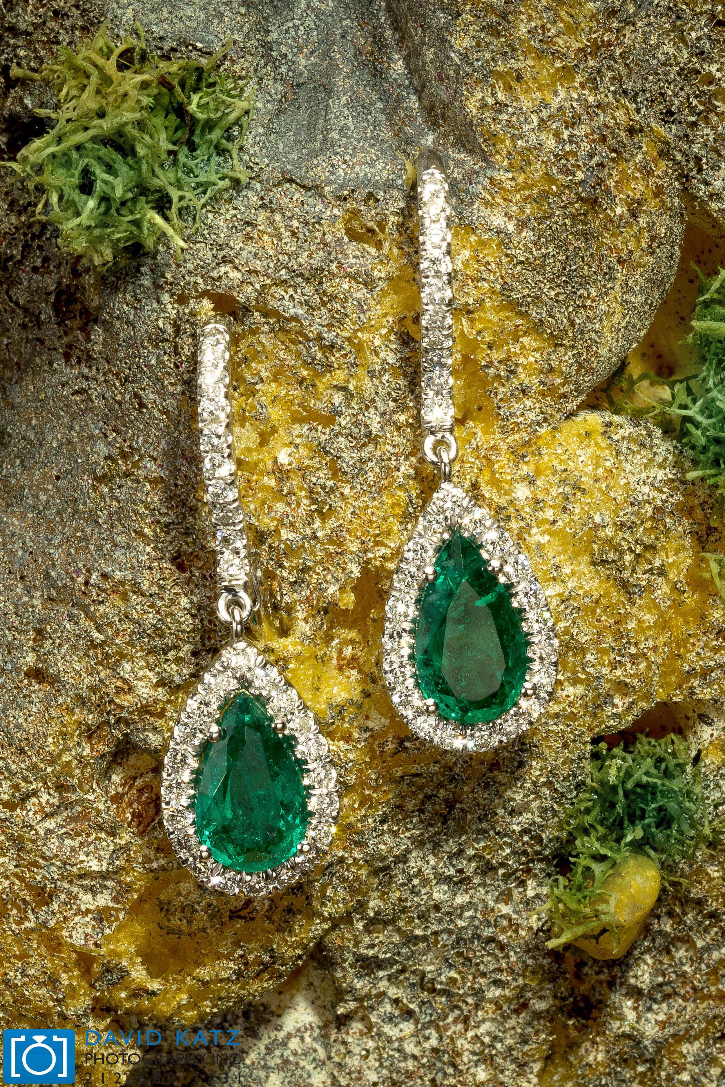 Emerald Pear Rings On the Rocks_NEWLOGO.jpg