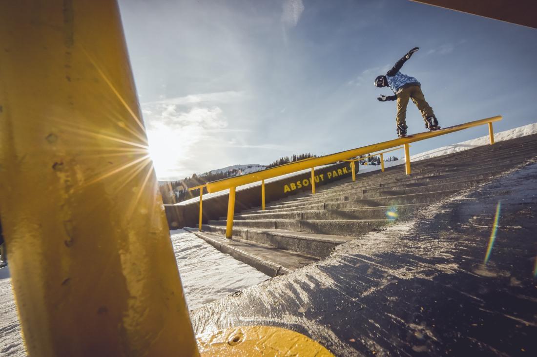 Jib King 2015 Snowboard  -4 web.JPG