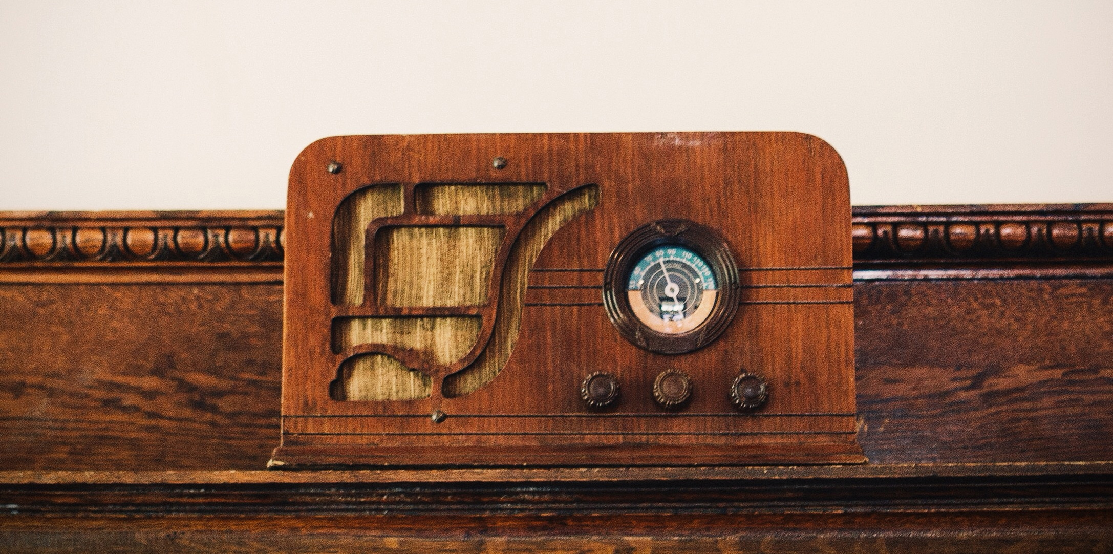 RadioShelf2.jpg