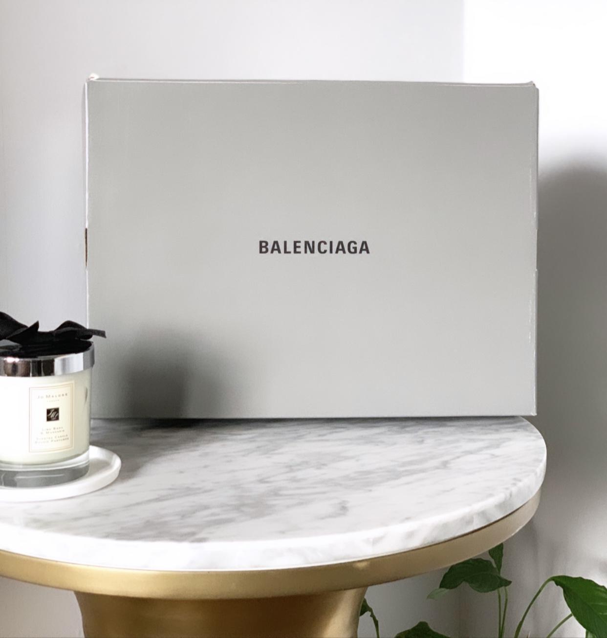 Balenciaga Unboxing. — Daisymaymoore