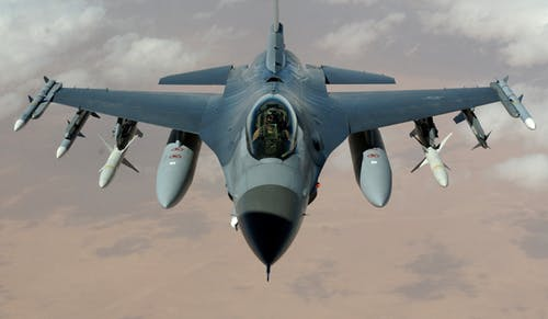 fighter-jet-fighter-aircraft-f-16-falcon-aircraft-76971.jpeg
