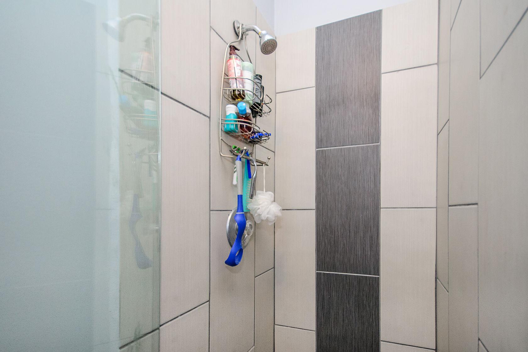 1bathroom2.jpg