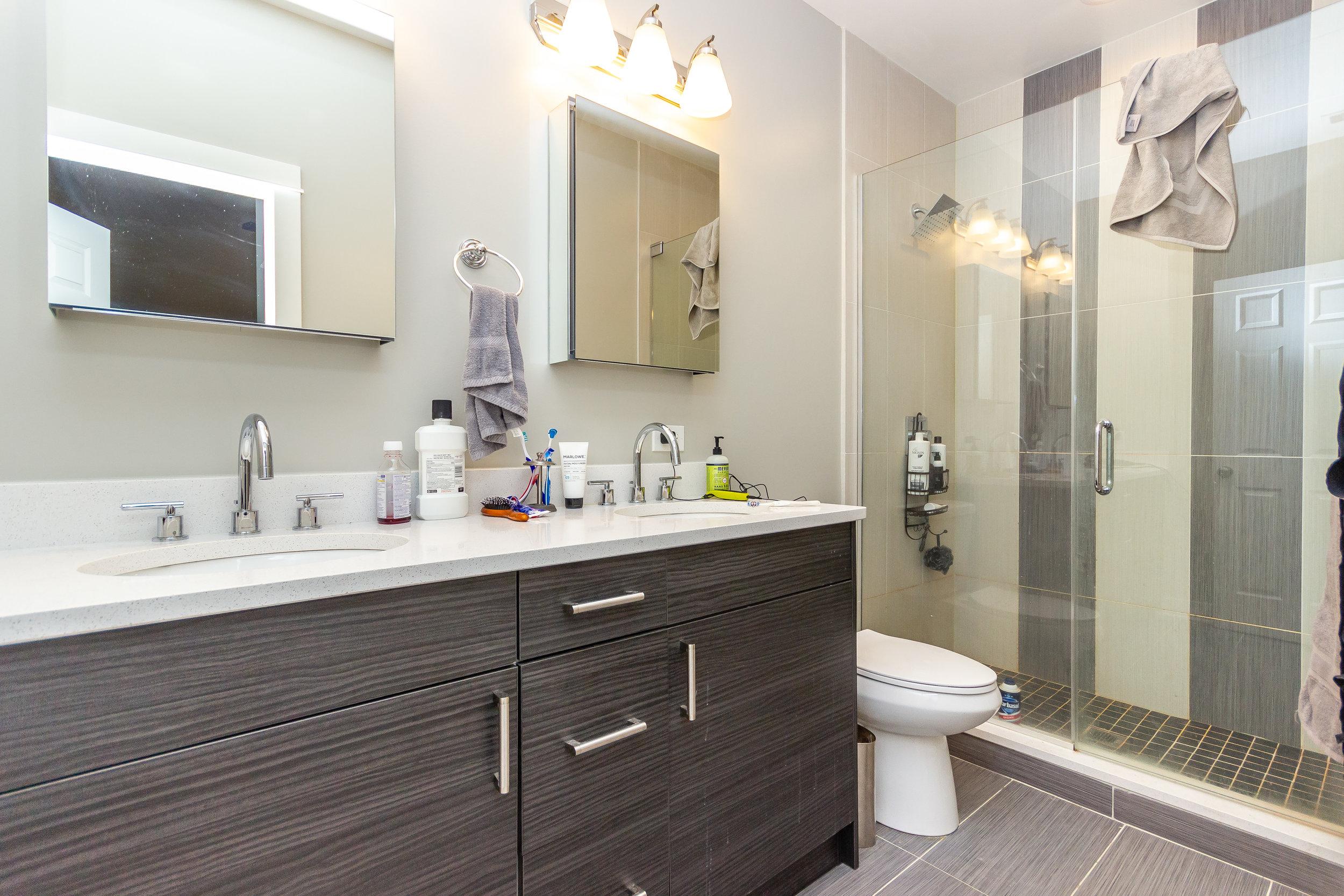 74_101masterbathroom.jpg