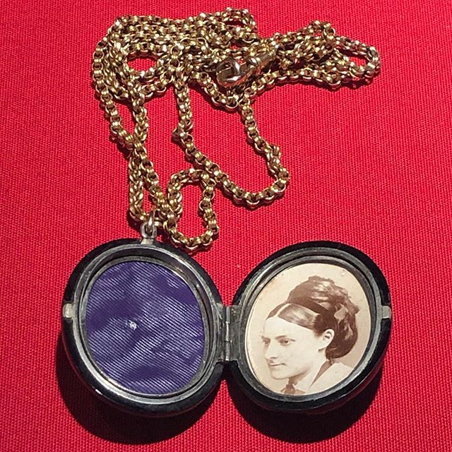 How will we be remembered? Mourning locket with portrait of Francis Perry and midwifery records from Melbourne 1836 ➡️ Medical History Museum Brownless Biomedical Library University of Melbourne  Melbourne Victoria Australia  August 2019