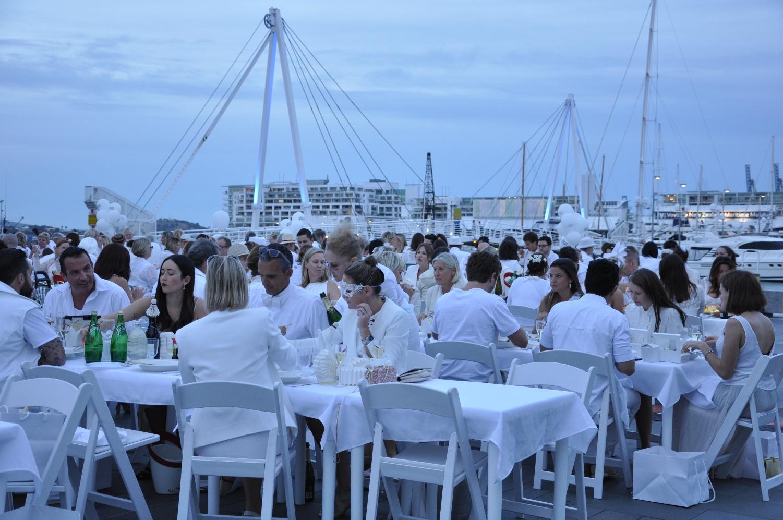 Diner en Blanc 6.jpg