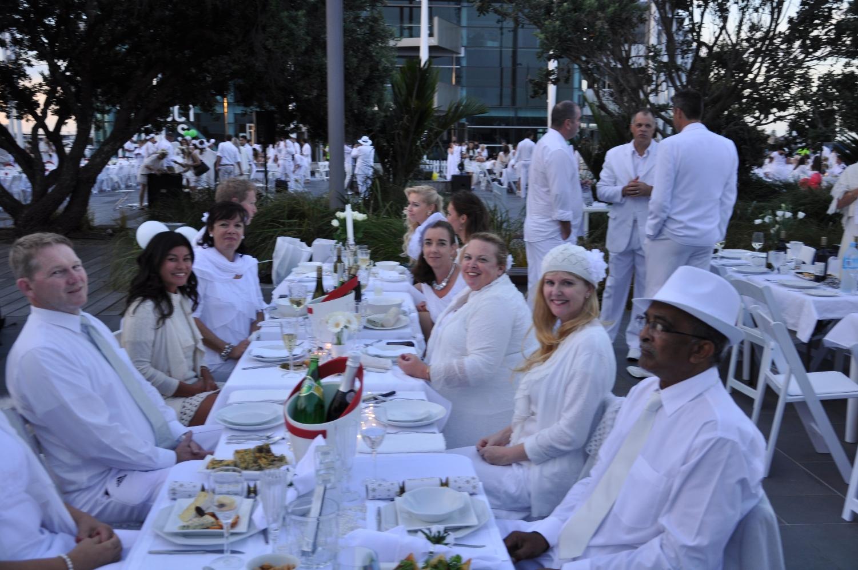 Diner en Blanc 5.jpg