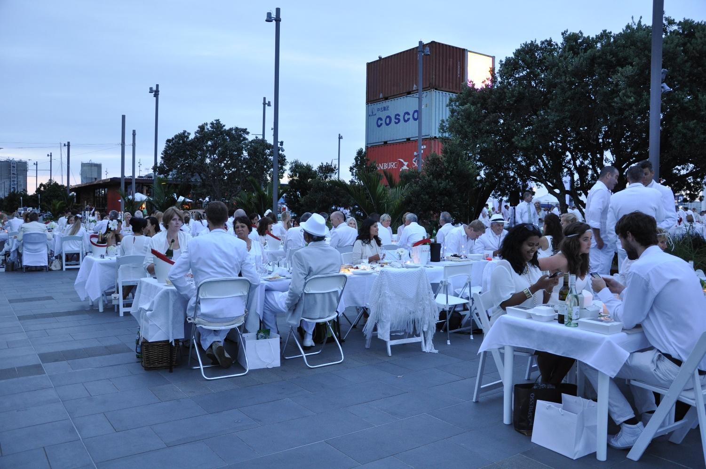 Diner en Blanc 7.jpg