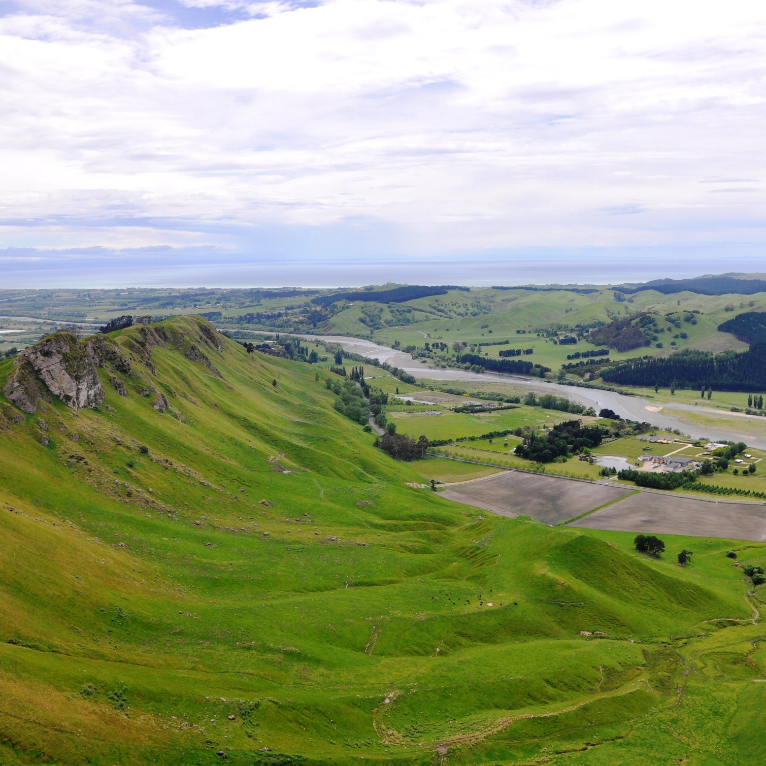 Craggy Range Winery from Te Mata Peak lookout