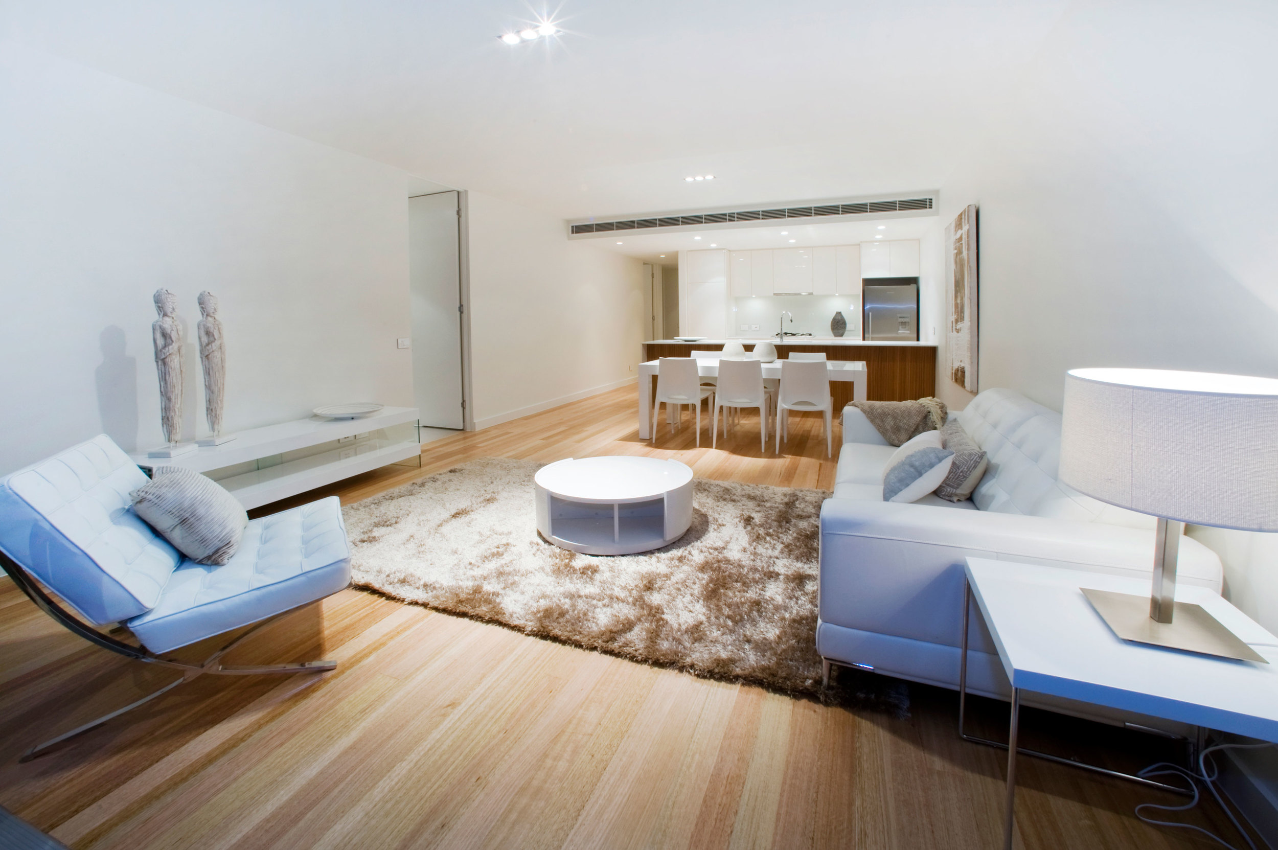 Light-filled, volumous internal spaces parade a sense of refined luxury