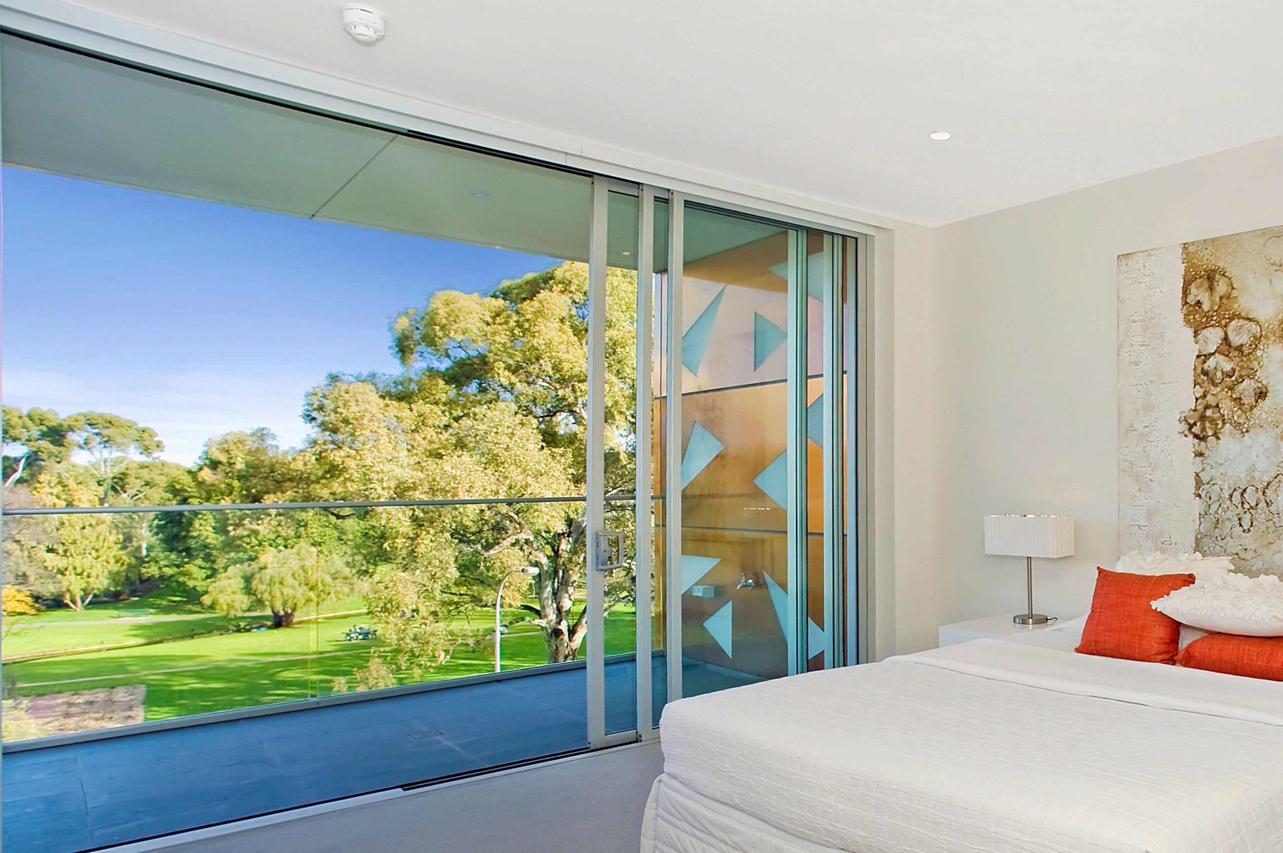 Excellent views of the parklands are present at every level