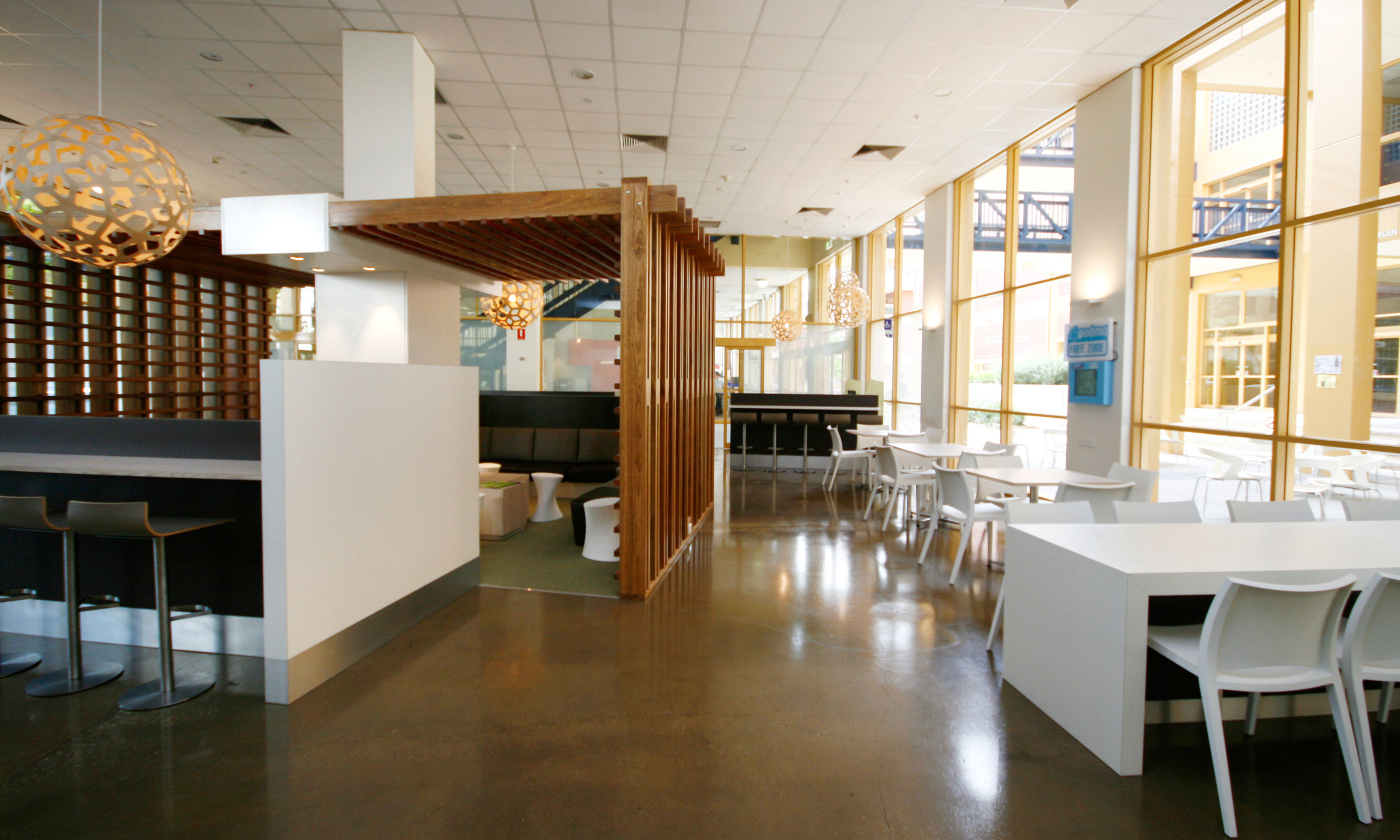 The Cafeteria at the City Campus creates flexible space for the ever-changing social requirements of university life