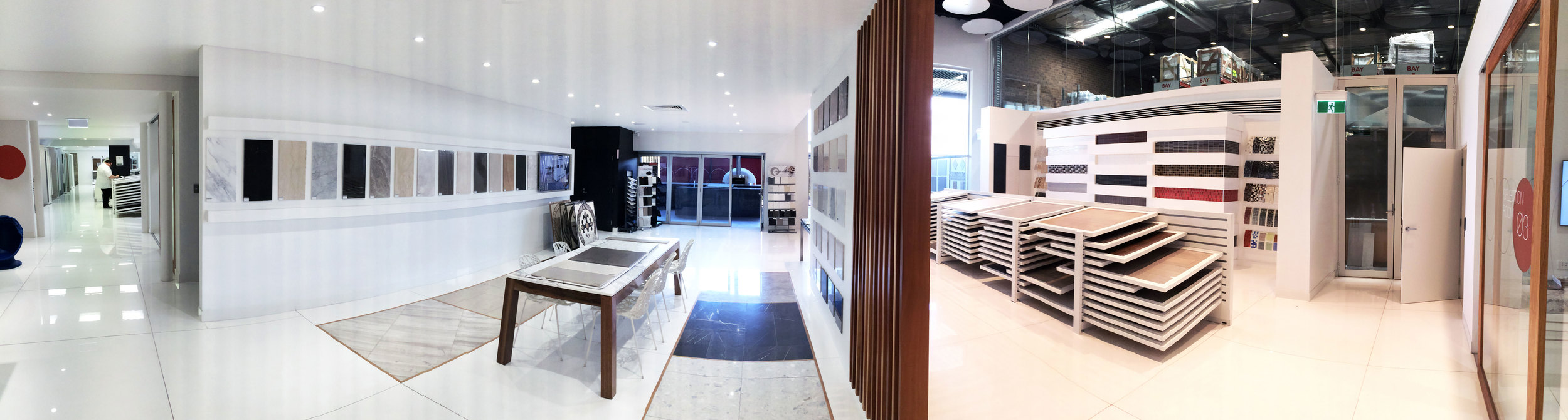 The showroom seamlessly transitions from indoor to outdoortiling options