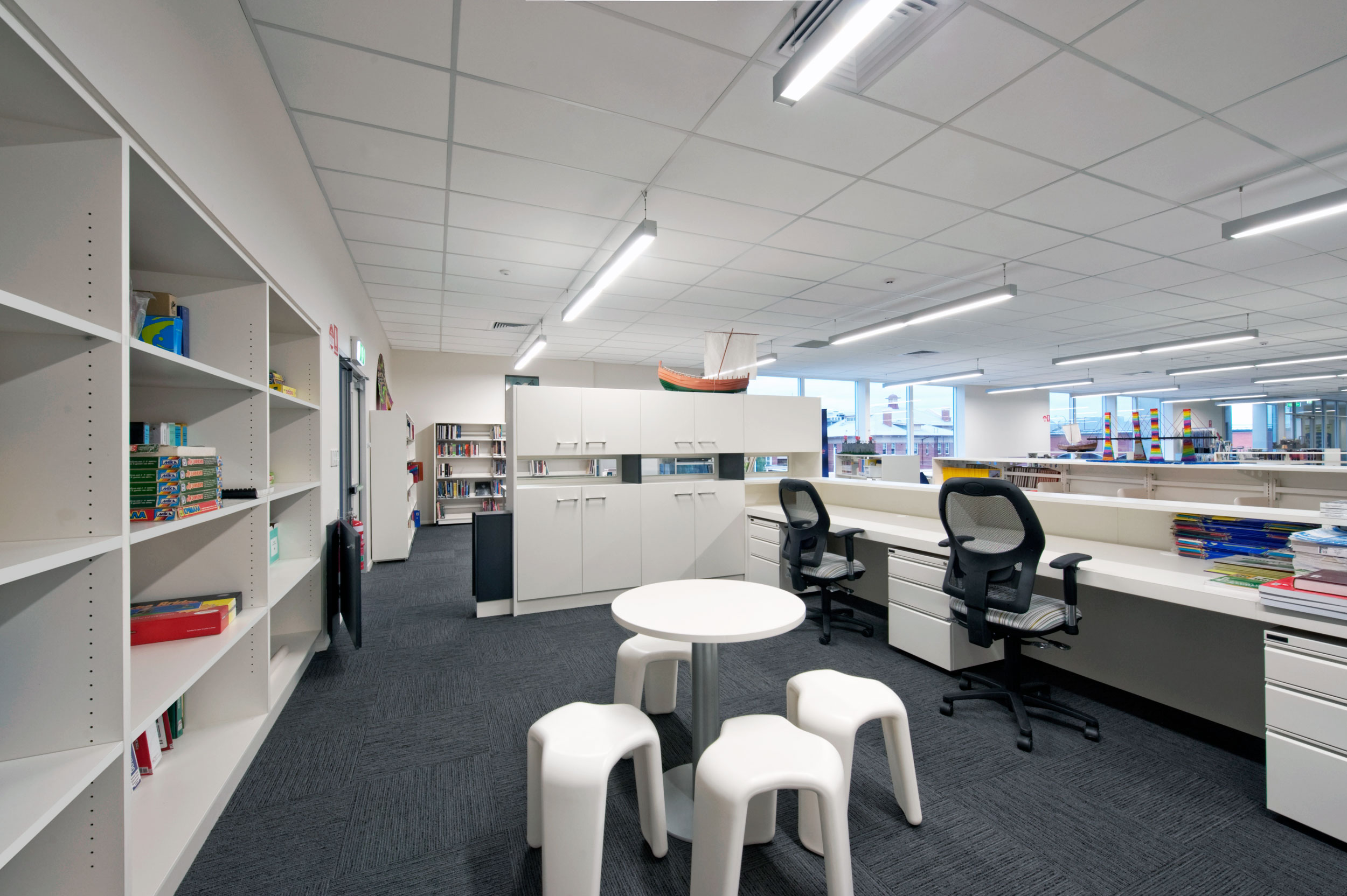 A flexible, modern fit-out with high visibility enables staff to perform at their best