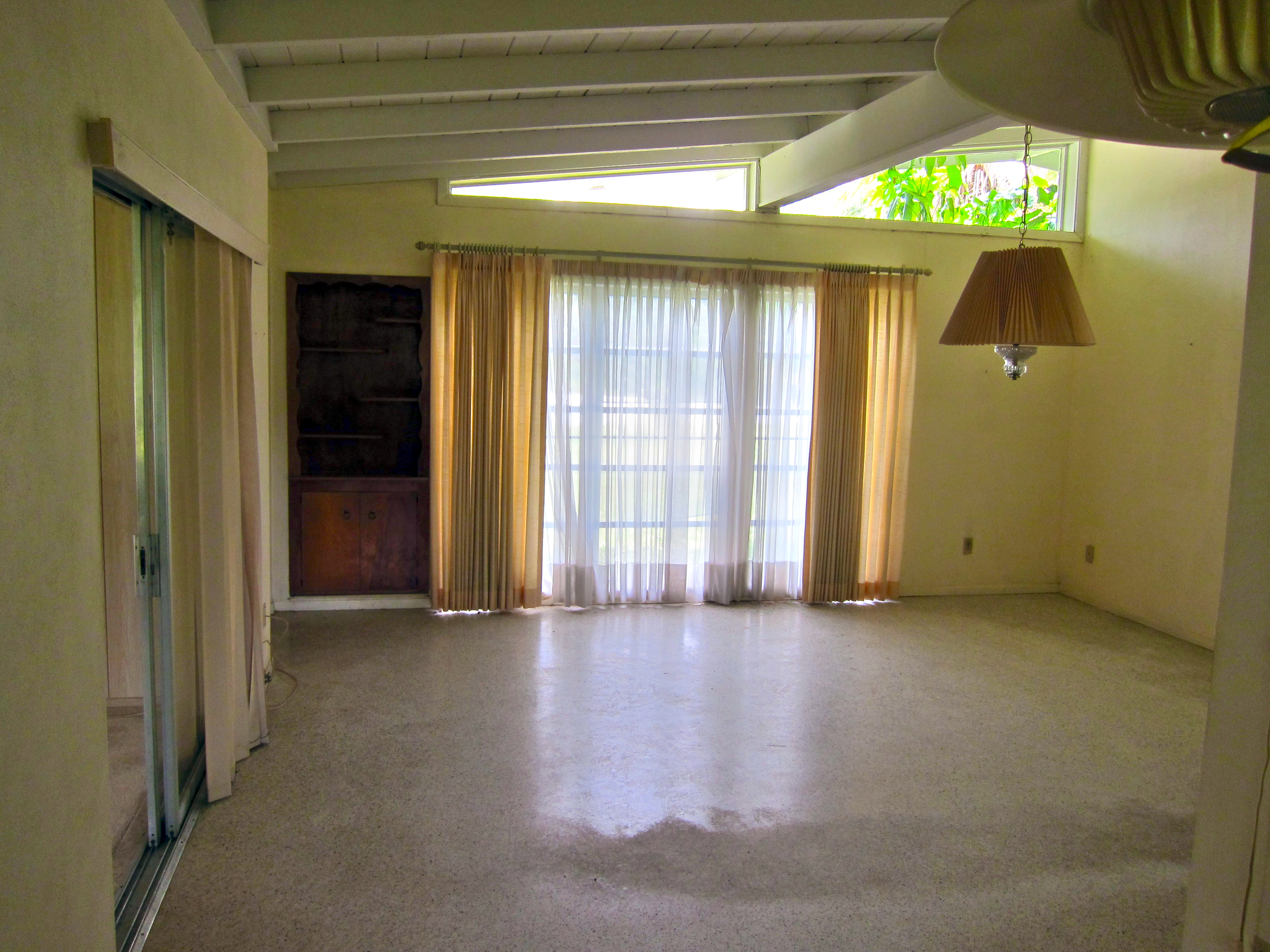 5 living room before.jpg