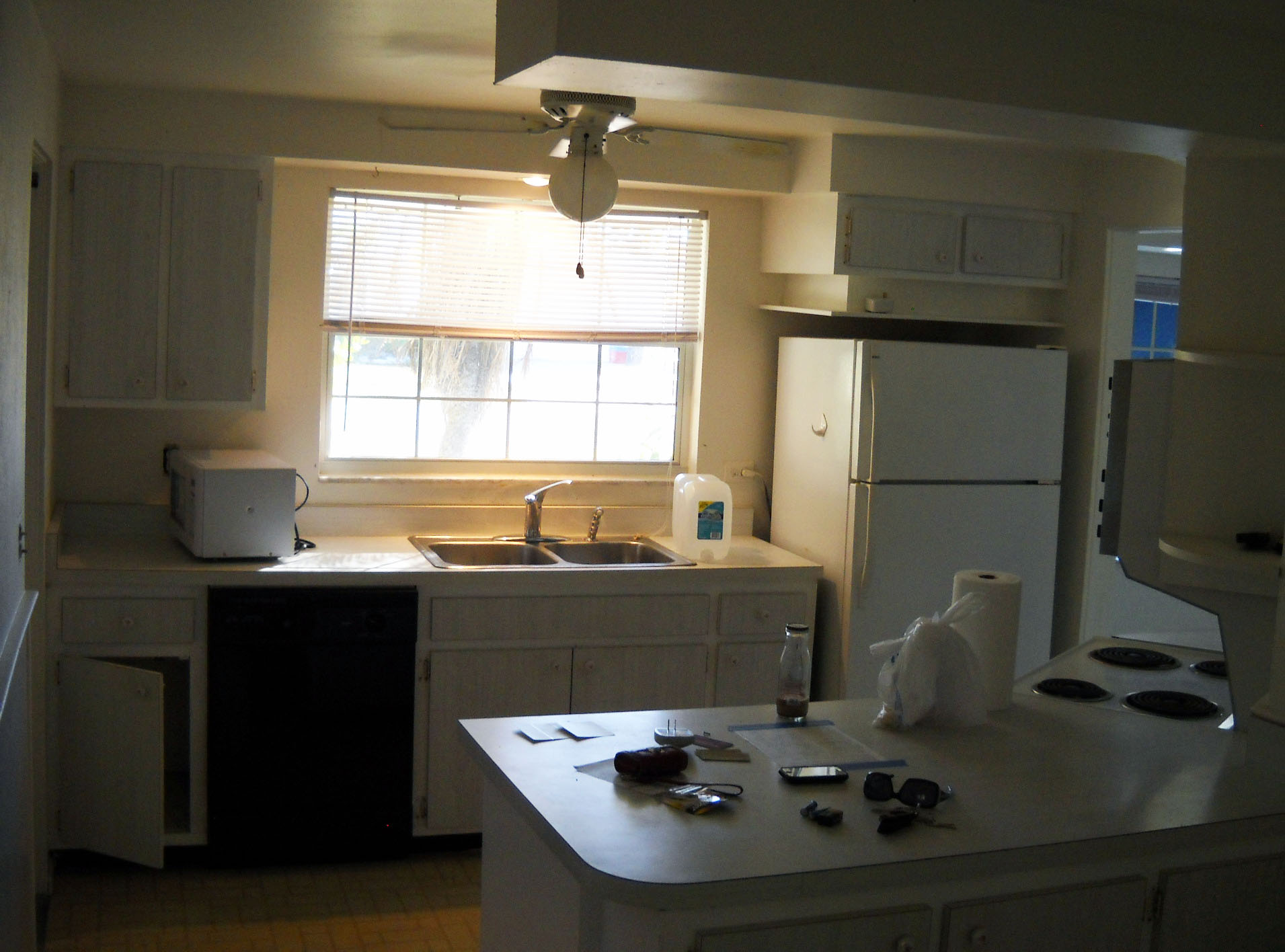 4a_kitchen before.jpg