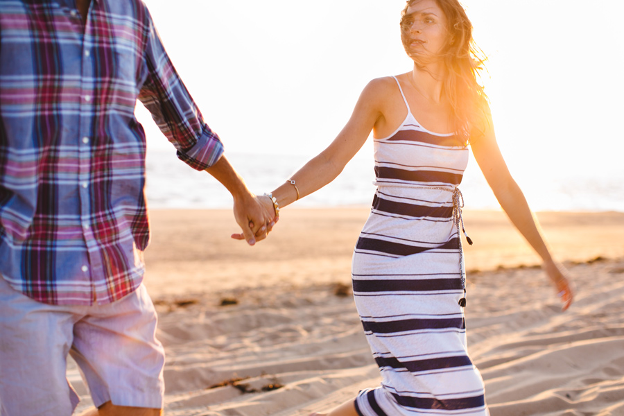 Jenny & Rob's beautiful and romantic sunset Race Point Beach engagement photography in Provincetown, MA (8)