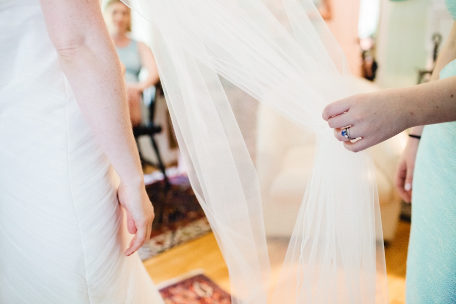 Beautiful and stylish Pierce House Wedding in Lincoln, MA New england photographer Mikhail Glabets (15)