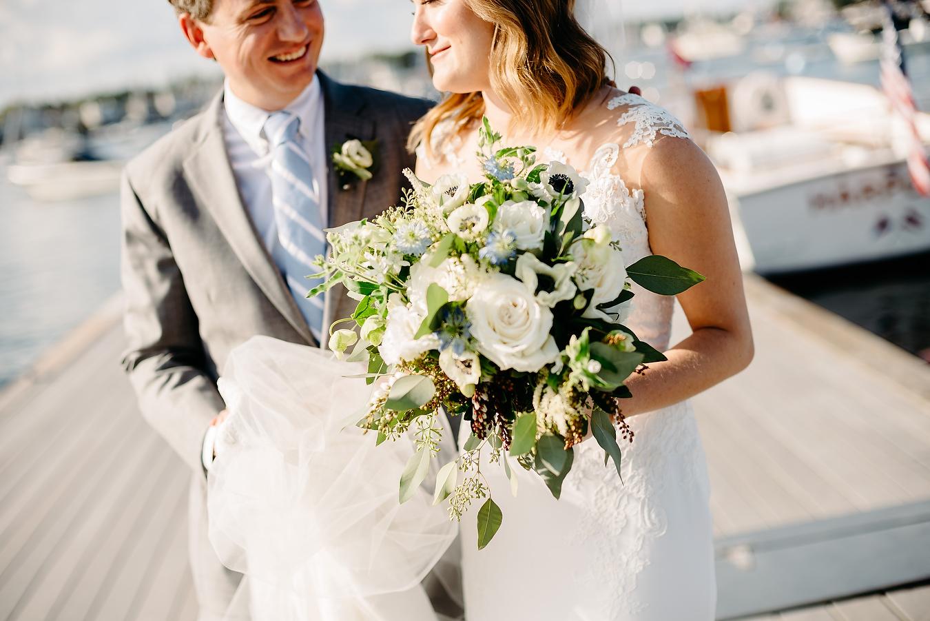 beautiful wedding photos at the eastern yacht club