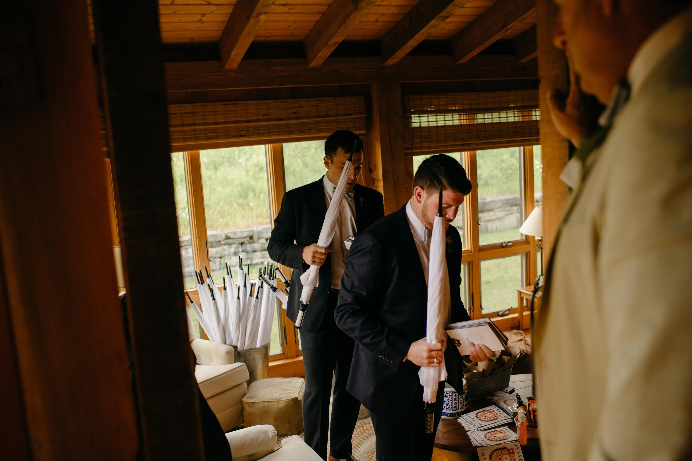 vermont_farm_wedding_photos_mikhail_glabetS_14.JPG