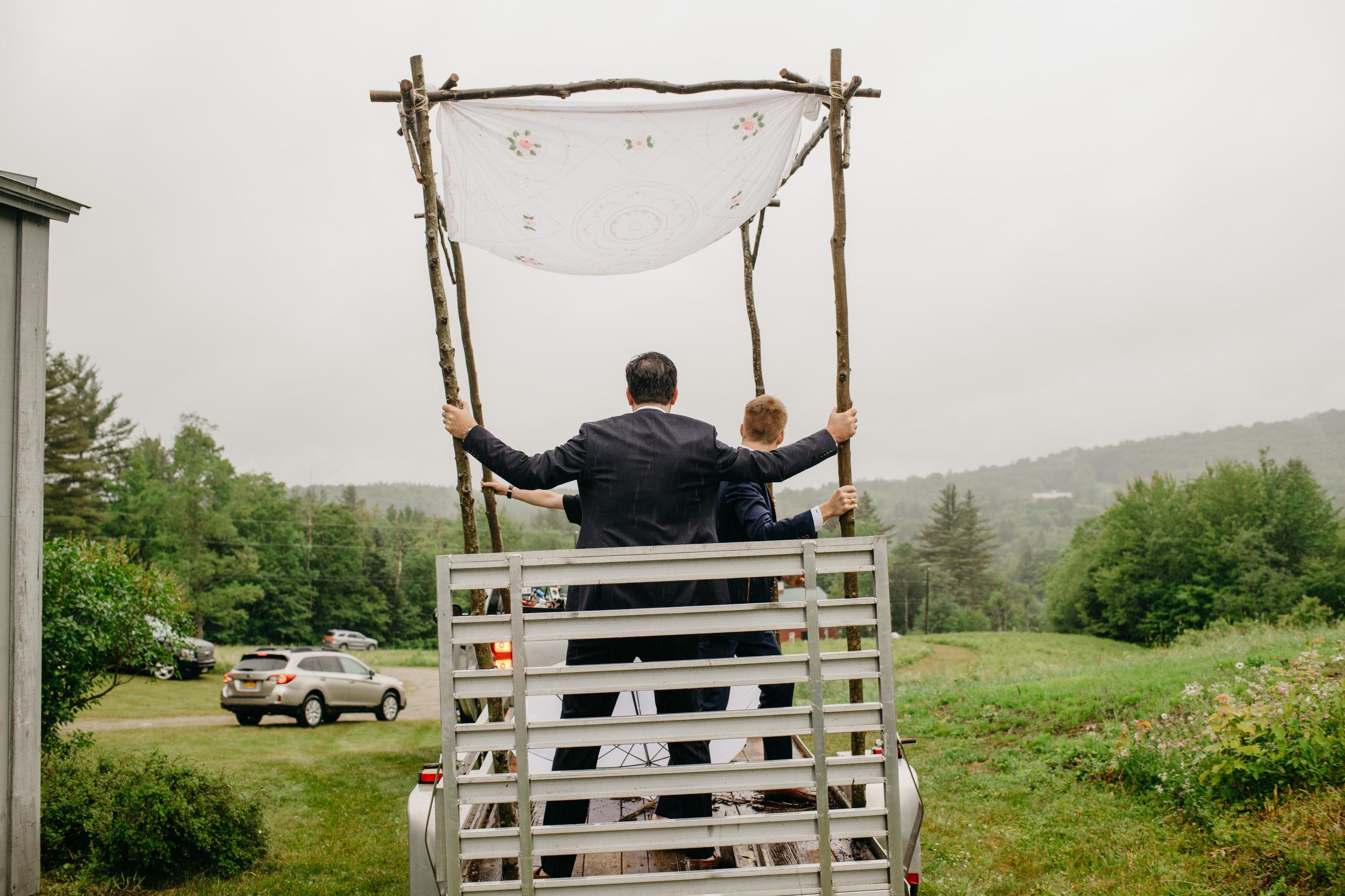 vermont_farm_wedding_photos_mikhail_glabetS_18.JPG