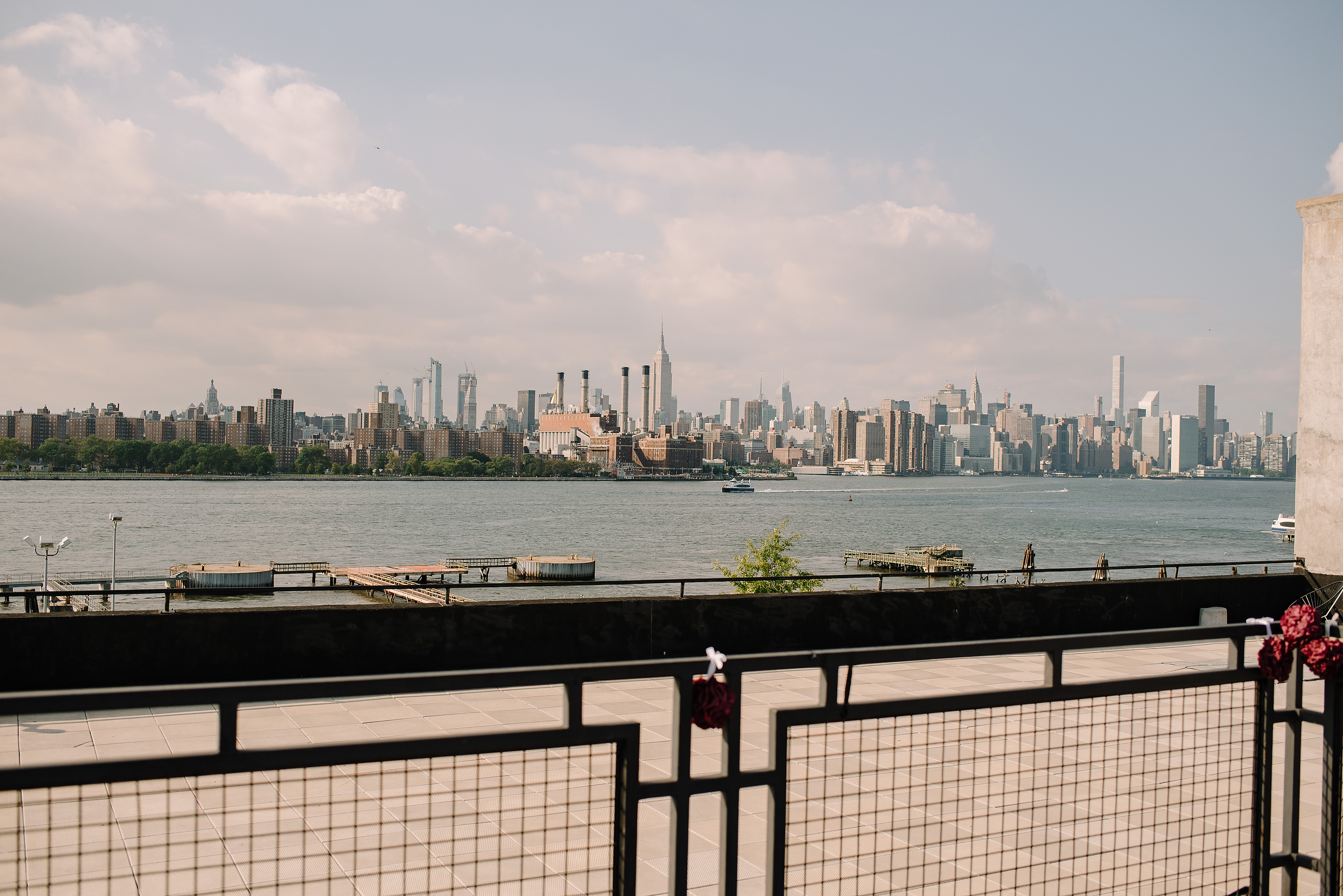 NYC skyline views from dumbo in brooklyn for weddings