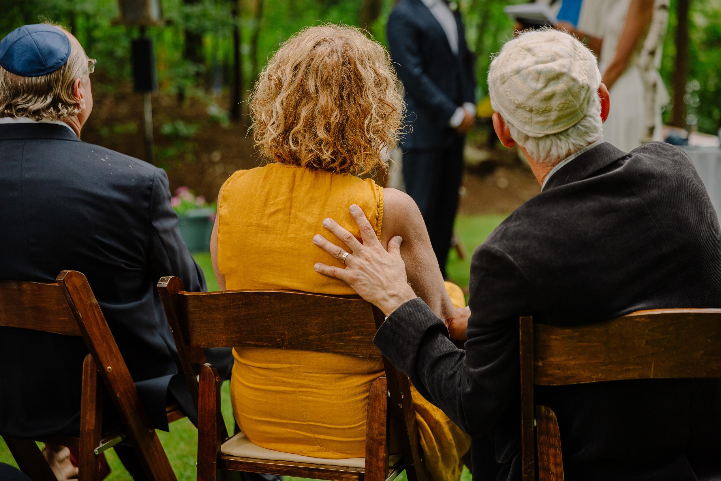 capecod_backyard_wedding_photos_mikhail_24.JPG