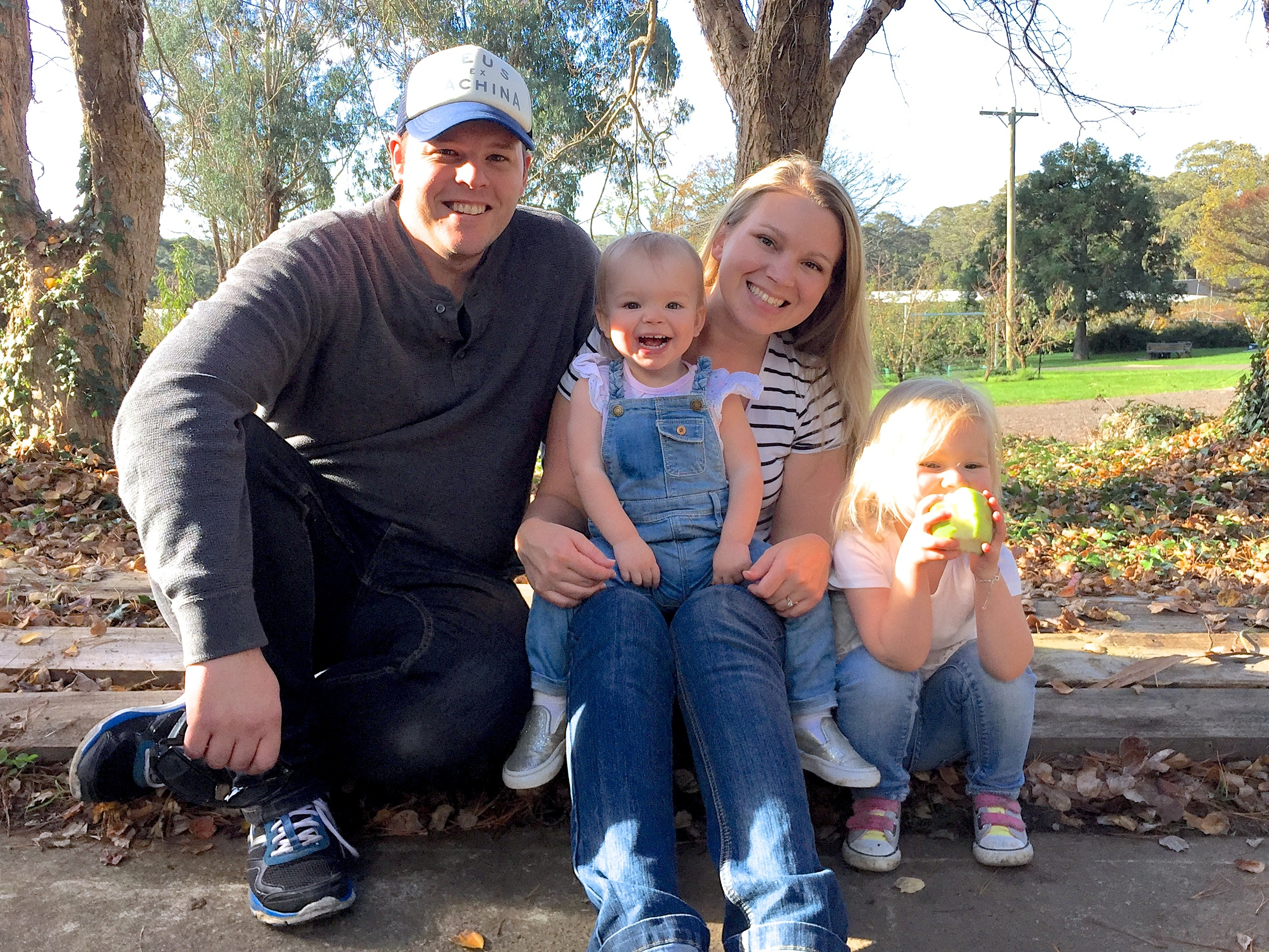 Jenna with Hubby Pete and two adorable girls Ava and Hallie