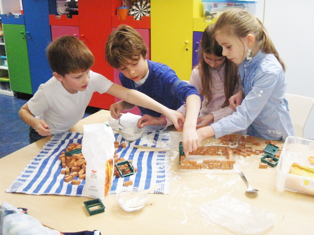 Techniek in de klas met De Techniek Torens. Onderzoekend leren en ontwerpend leren in de basisschool! Daag uw leerlingen creatief en driedimensionaal uit en ontwikkel hun 21st Century skills.