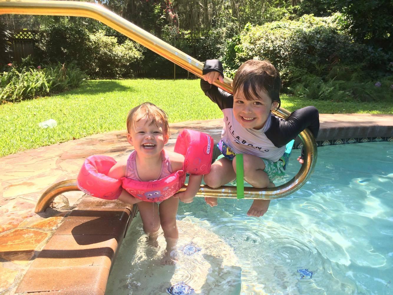Grandma's pool on Amelia Island, Florida. Back to holiday'ing!