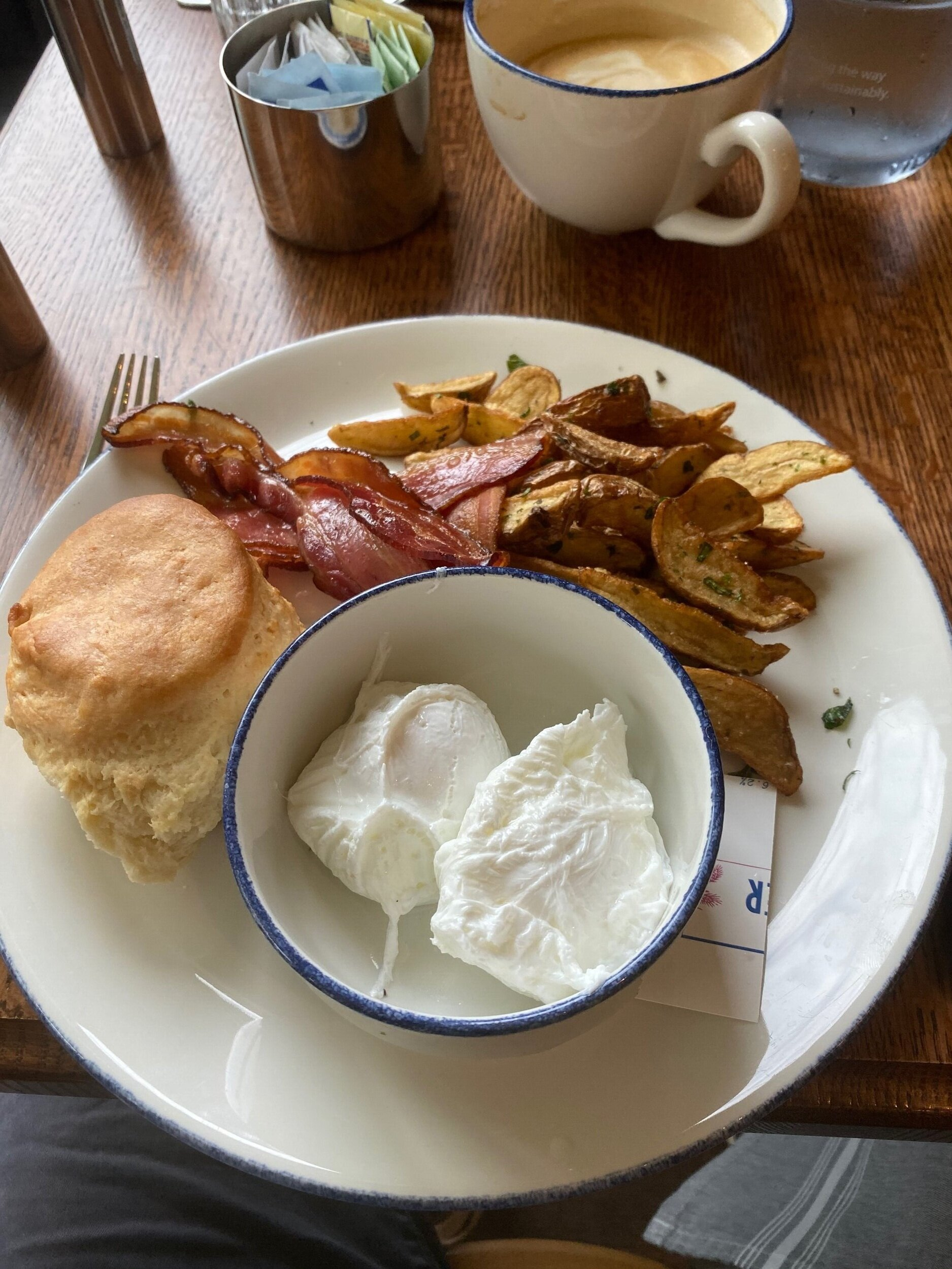 The biscuit and crispy, smoked bacon were a highlight.