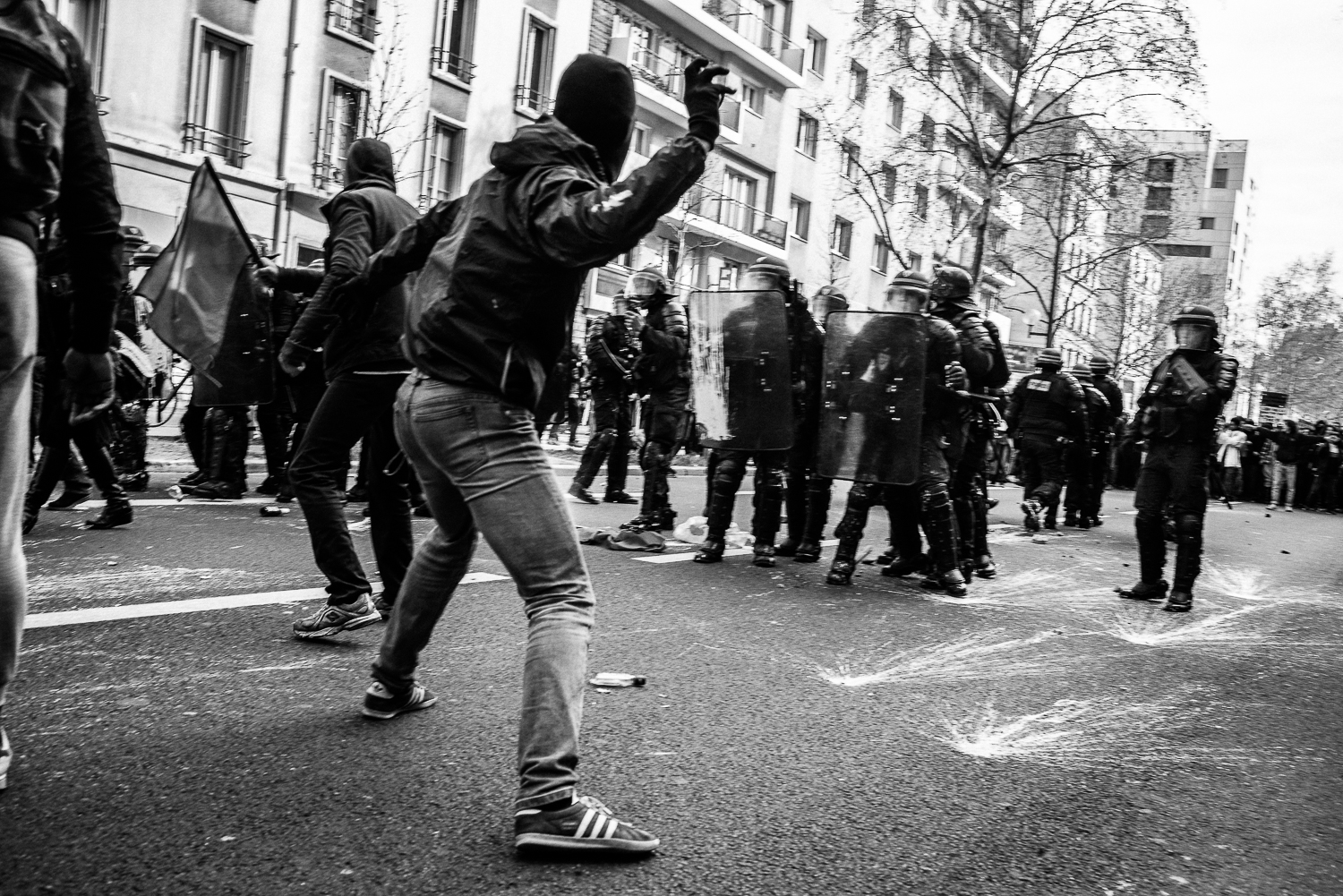 Protestors clashing with the riot police,5th April 2016.