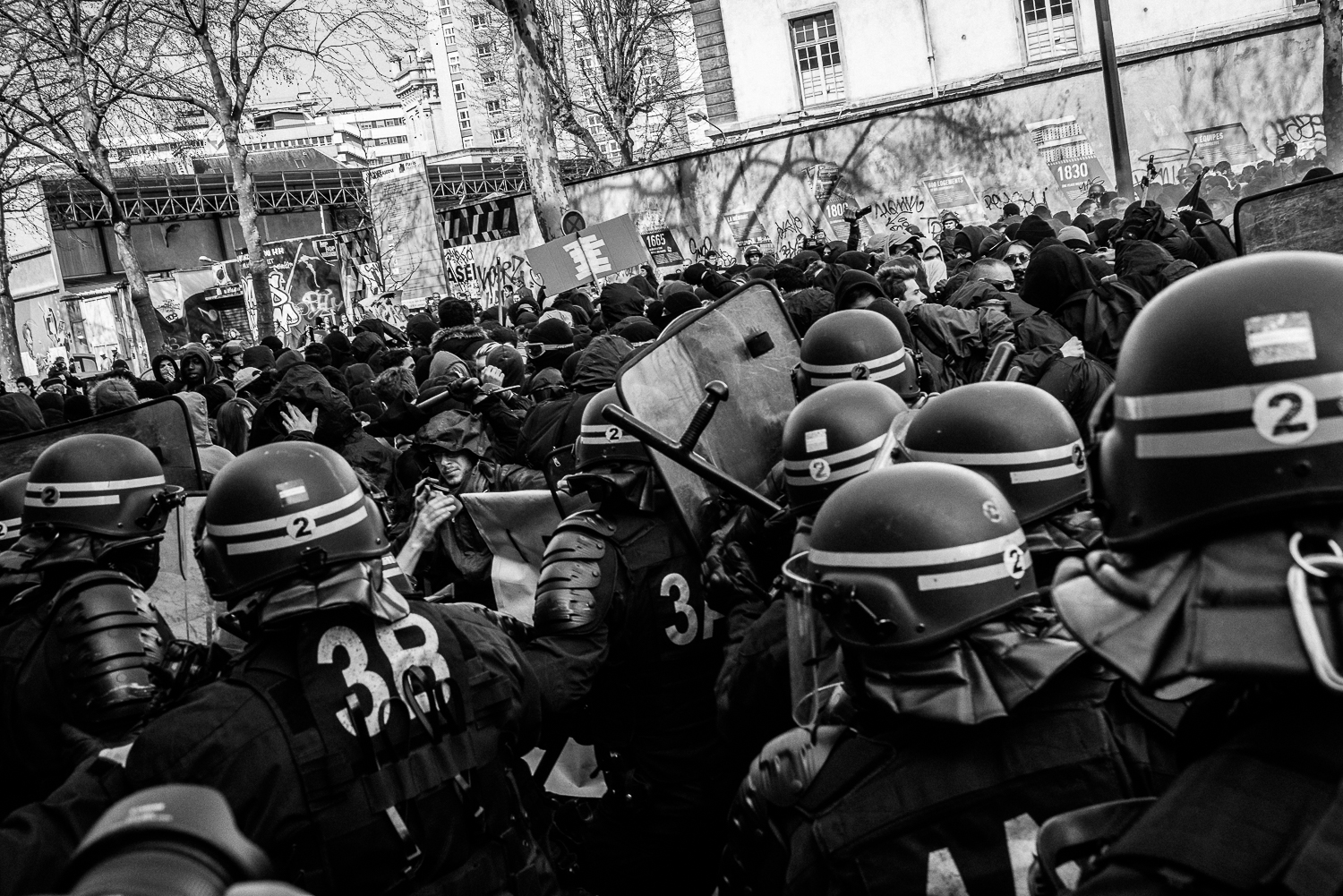 Riot police charging towards the protestors,5th April 2016.