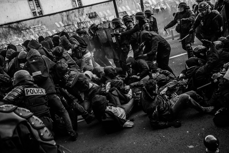 Riot police charging towards protestors,5th April 2016.