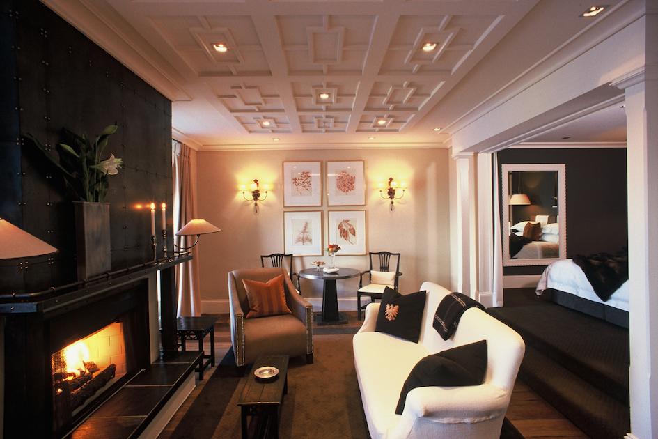 Eichardt's Hotel suite copy.jpg